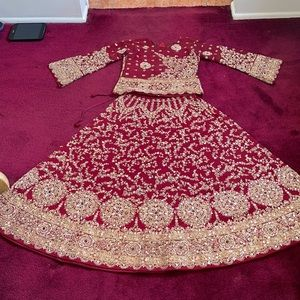 🔥Gorgeous Traditional Custom Made A blouse with a Skirt all Sequence and beads